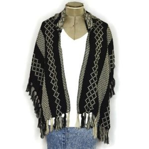 Hood Shawl Black and White Fringe